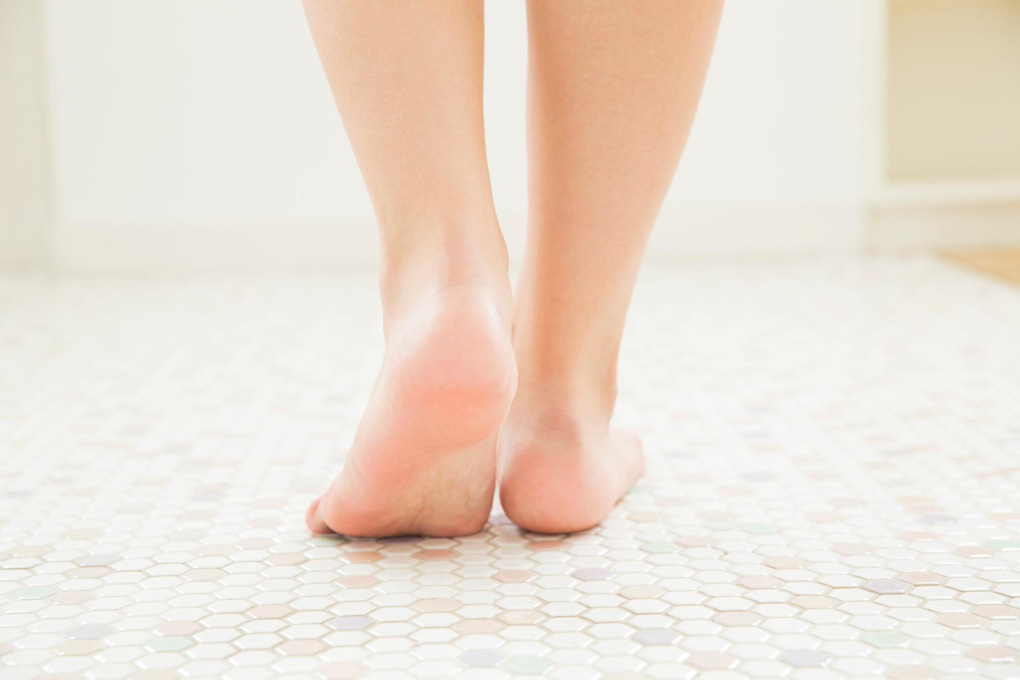 両脚(後ろ)