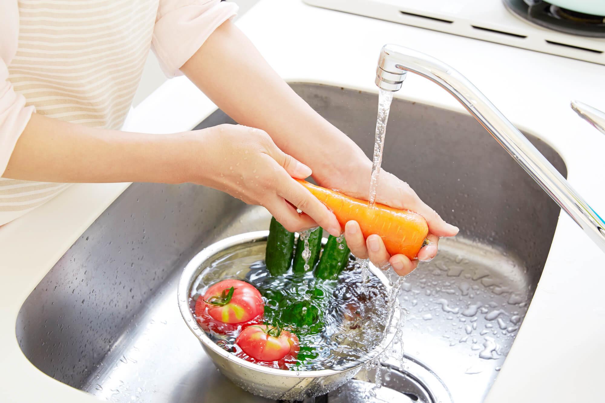 ヌルヌル汚れに効果的!排水口の掃除には重曹×お酢の力