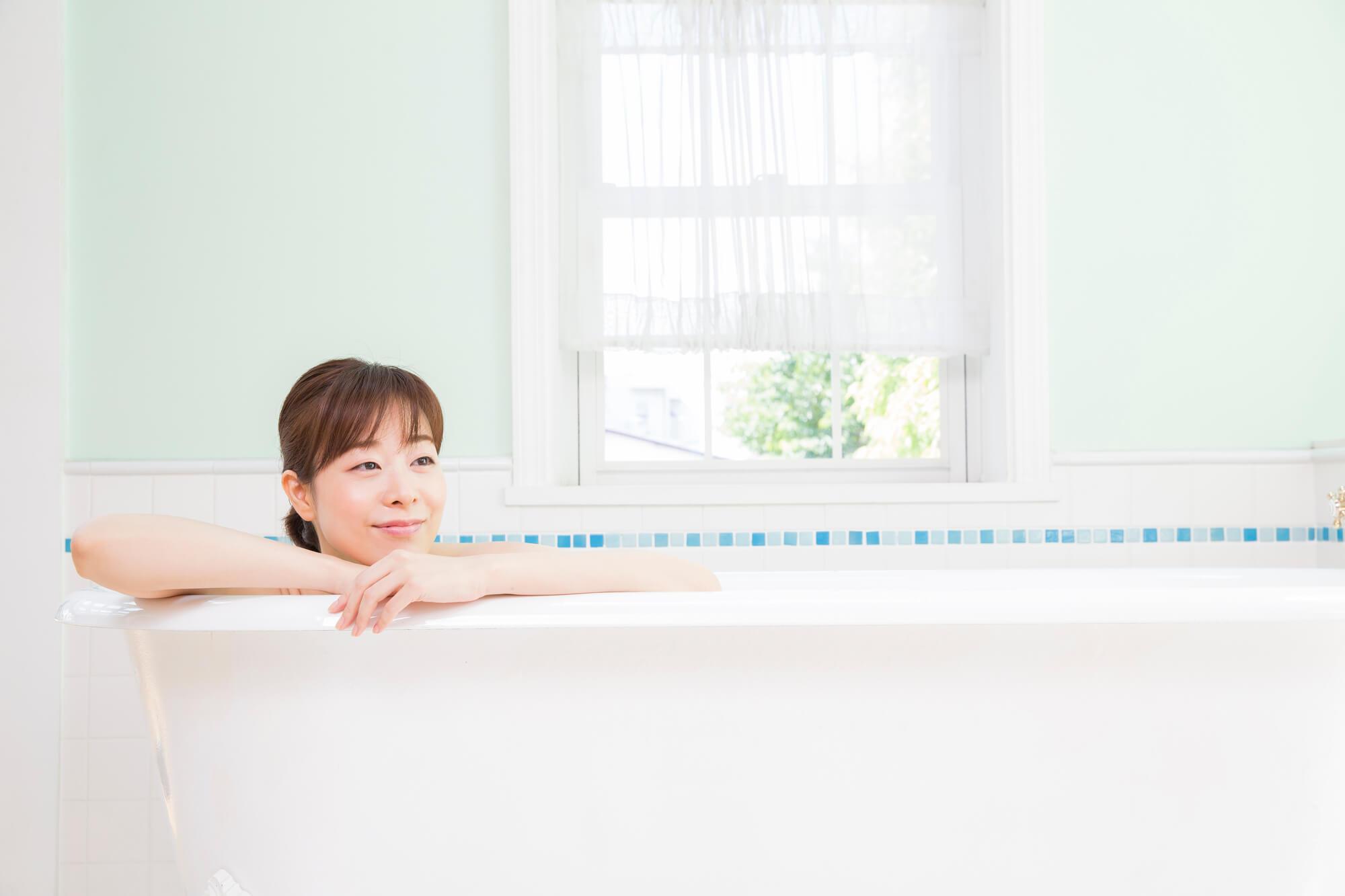 一晩つけ置きするだけ!残り湯を利用した浴槽の楽ちん掃除法