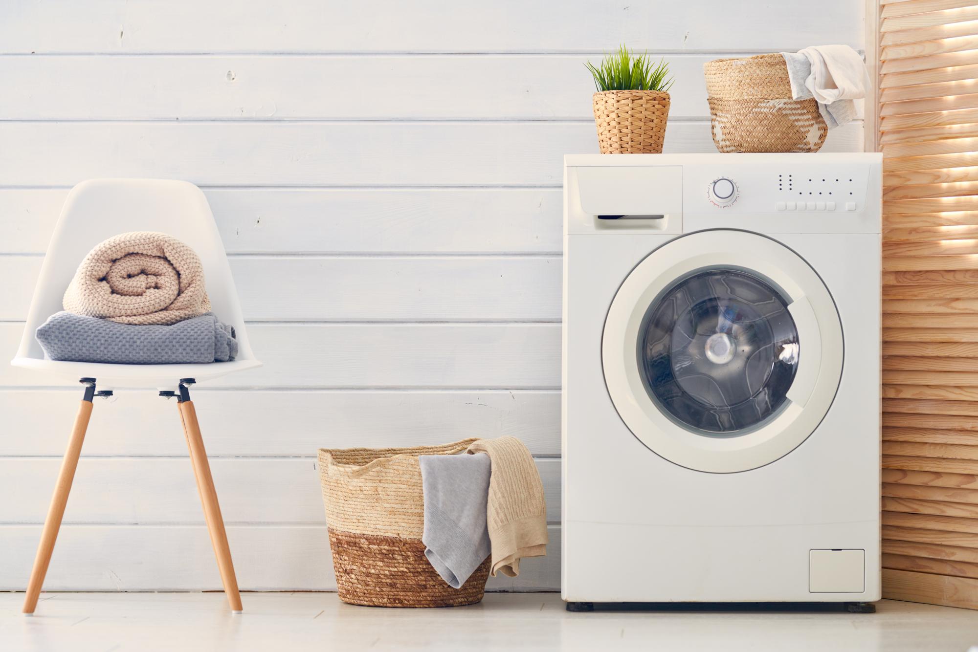 ノロウイルスによる嘔吐で汚れた衣服を普通に洗濯してしまった!正しい洗濯方法とは?