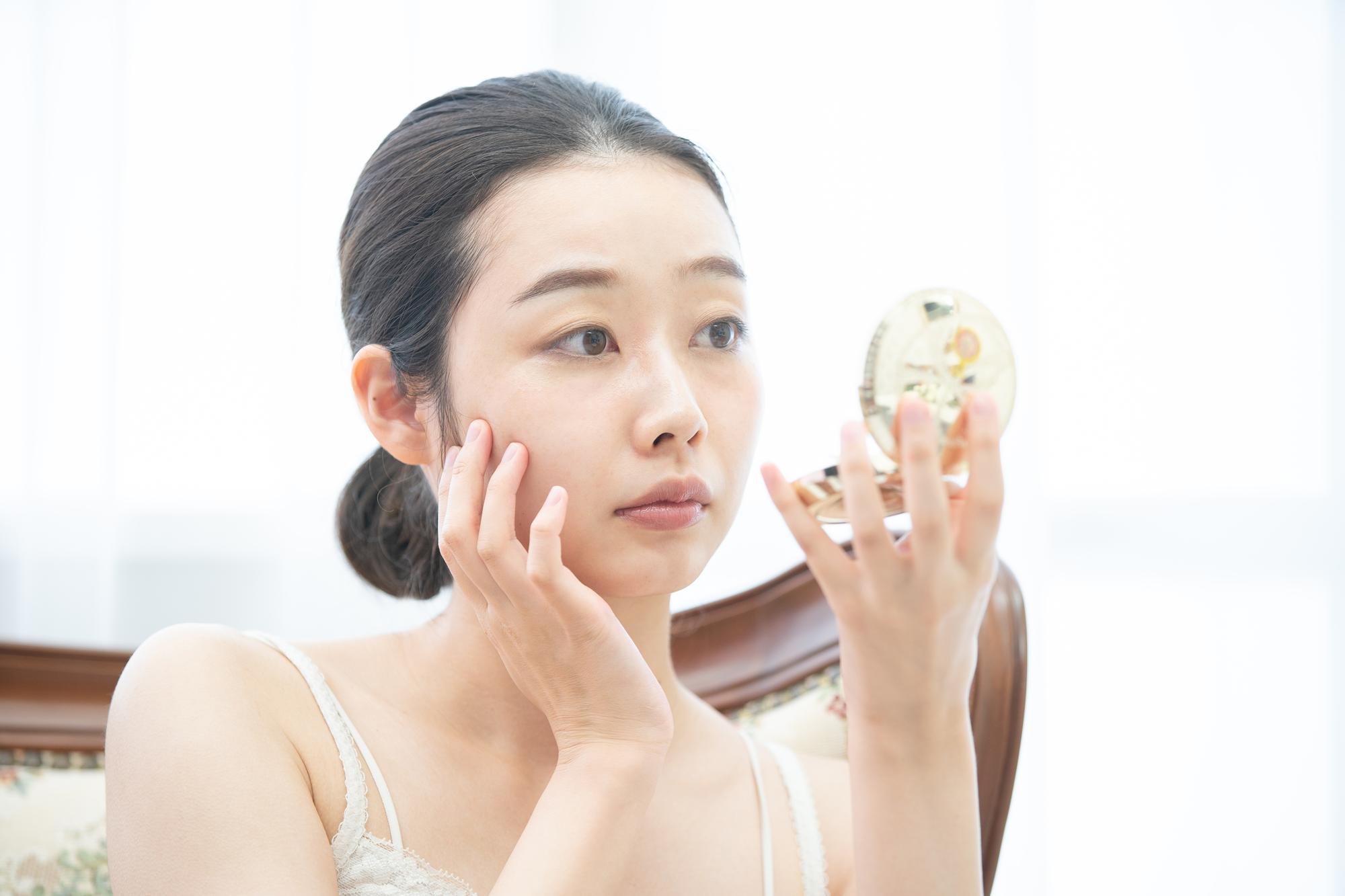 """【医師監修】乾燥肌でもニキビはできる? """"乾燥肌ニキビ""""の原因と対処法"""