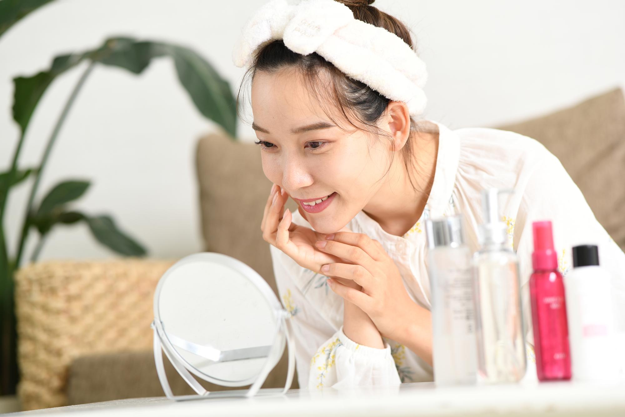 【医師監修】ワセリンは顔にも使える?ワセリンの活用法と使用時のポイントについて