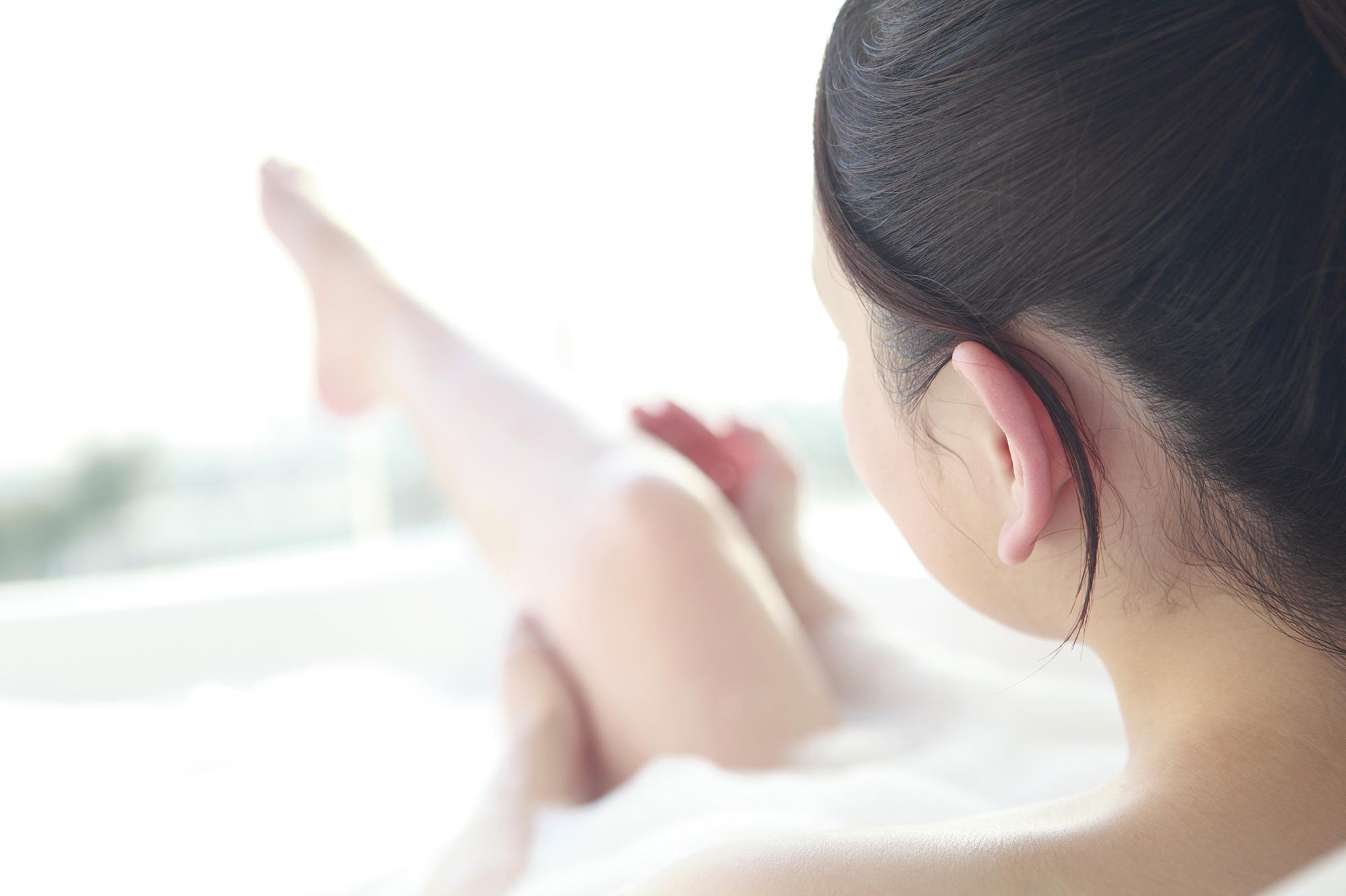 【医師監修】乾燥肌の方に!お風呂に入る際のポイントと入浴後の注意点を解説