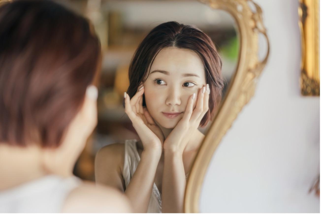 【医師監修】乾燥肌にはどんな化粧下地を使うべき?効果と選び方のポイントを解説