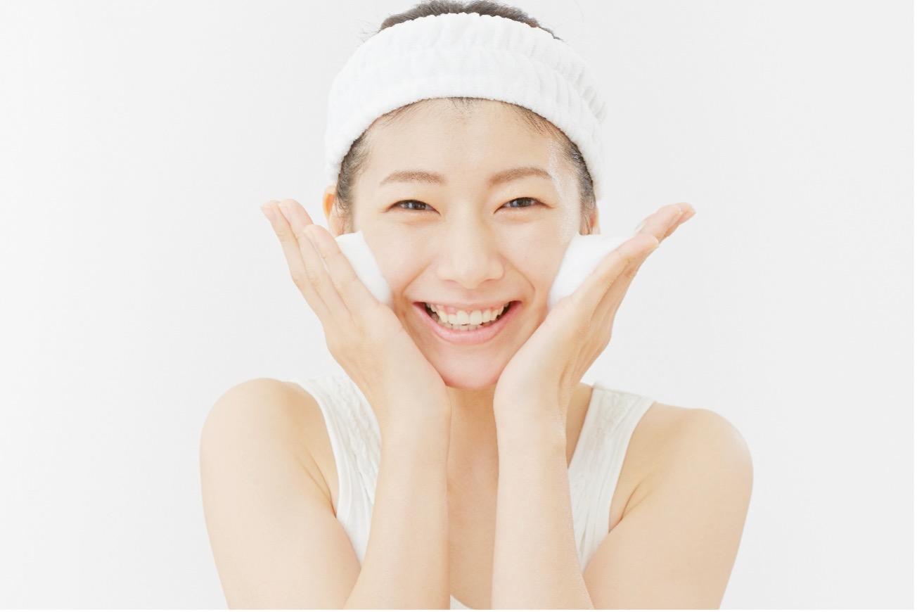 【医師監修】乾燥肌におすすめのクレンジングは?気をつけたい成分について解説