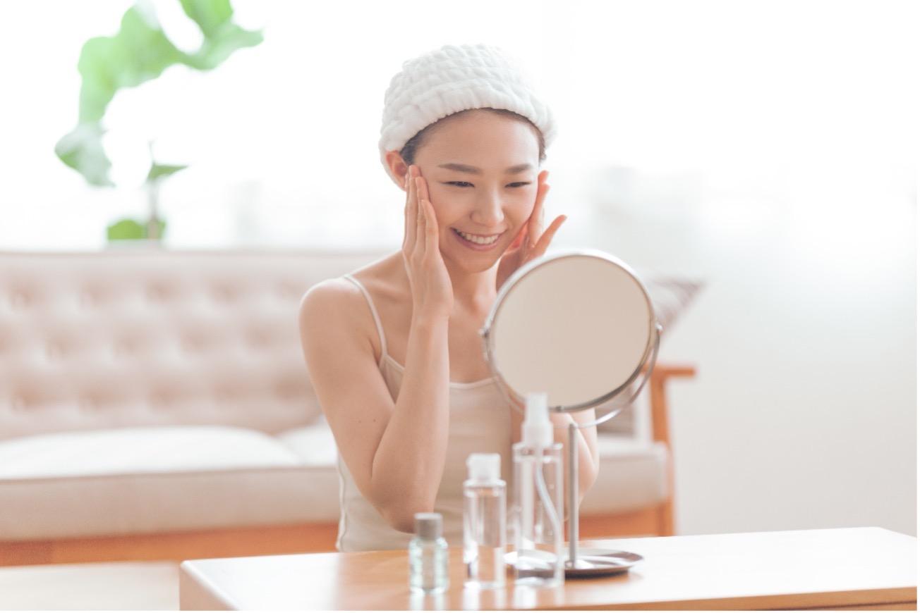 【医師監修】乾燥肌に美容液は必須アイテム?おすすめ美容成分の特徴も紹介