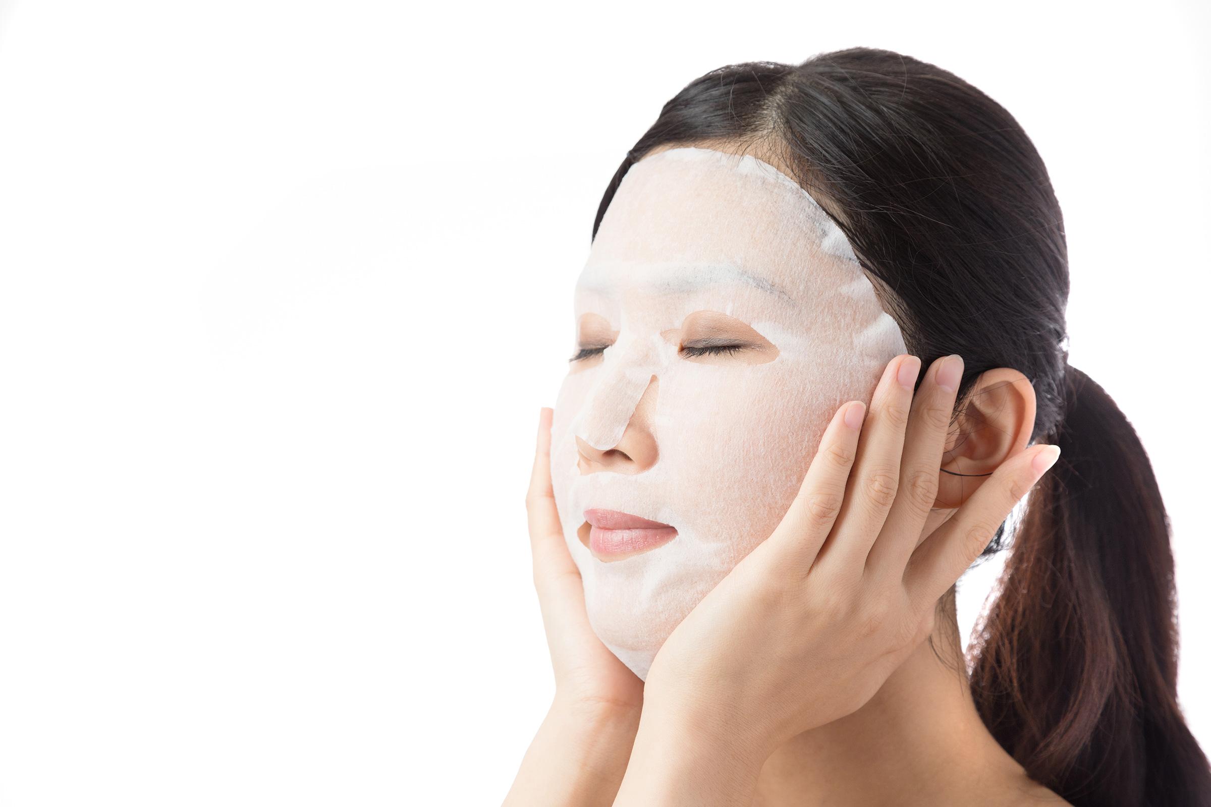 【医師監修】乾燥肌はどんなフェイスパックを選べばいいの?効果的な使用方法と注意点